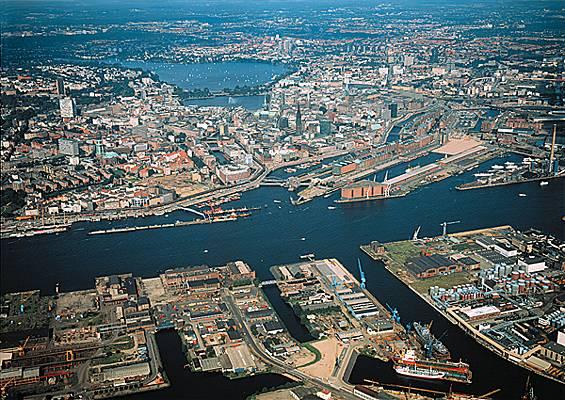 Id es pour visiter hambourg blog a demain - C est pas sorcier le port de rotterdam ...